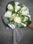 rose bianche e mughetti